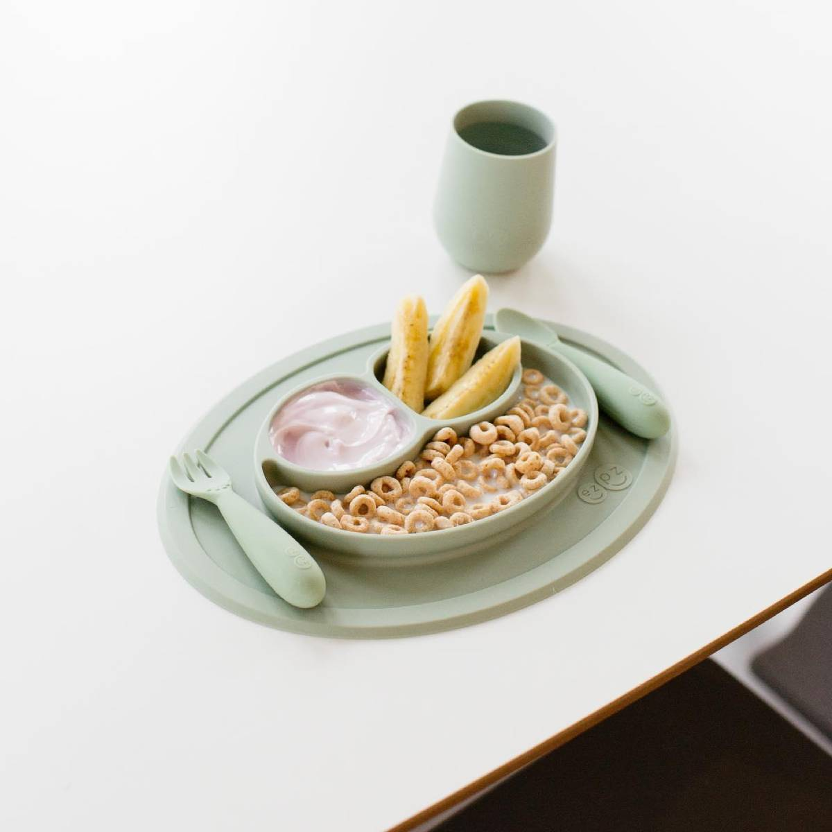 Ezpz - Alt-i-ett-spisebrikke i Silikon - Sage
